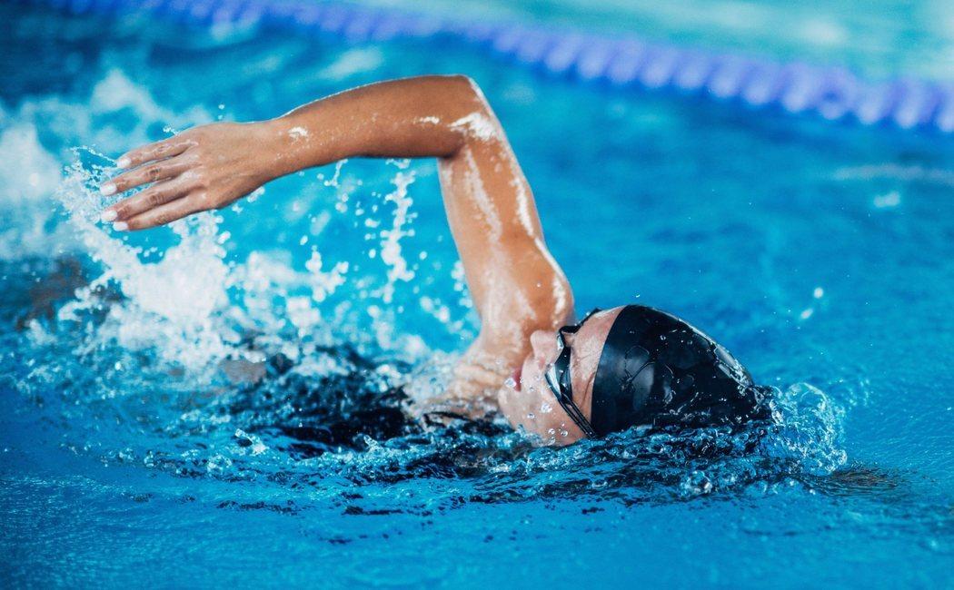 Propiedades y beneficios de la natación