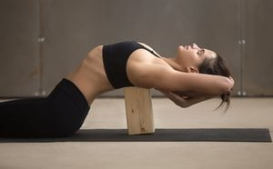 Iyengar Yoga: qué es y para qué sirve
