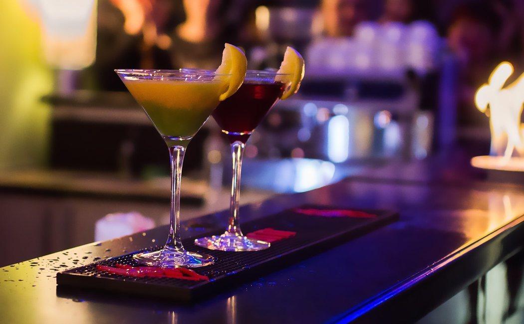 ¿Cuántas calorías tienen las bebidas alcohólicas?