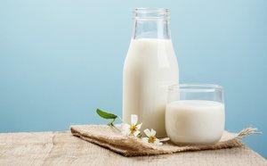 calorias de un vaso de leche semidescremada