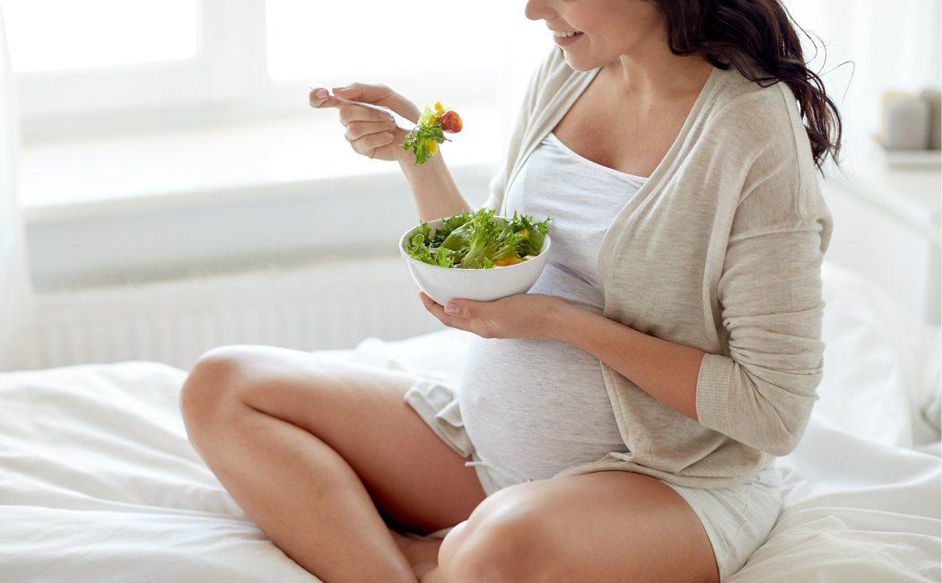 Así es la alimentación que debe tener una mujer embarazada