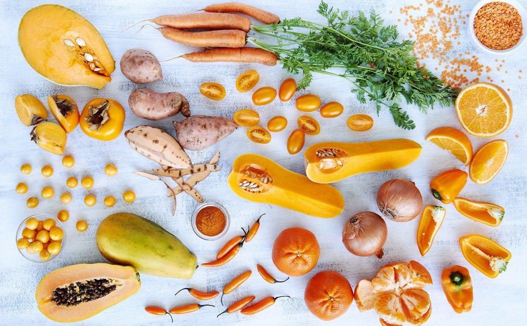 Frutas y verduras que tienen más vitamina C que la naranja