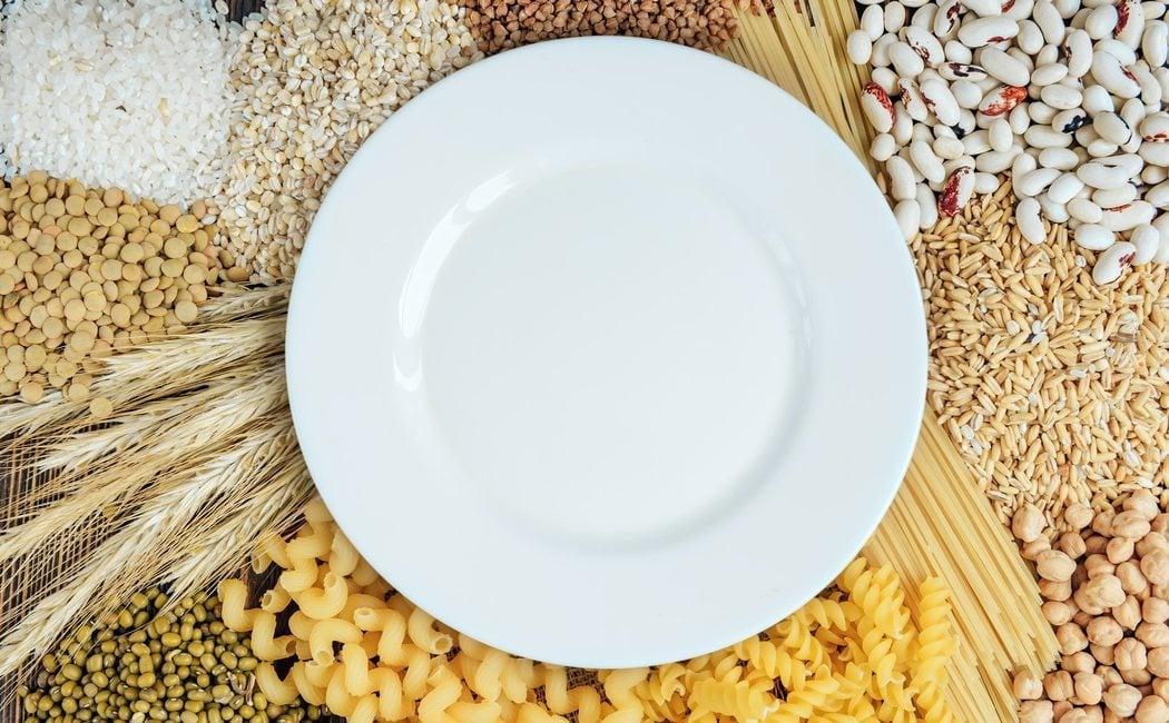 qué tan malo es comer carbohidratos por la noche
