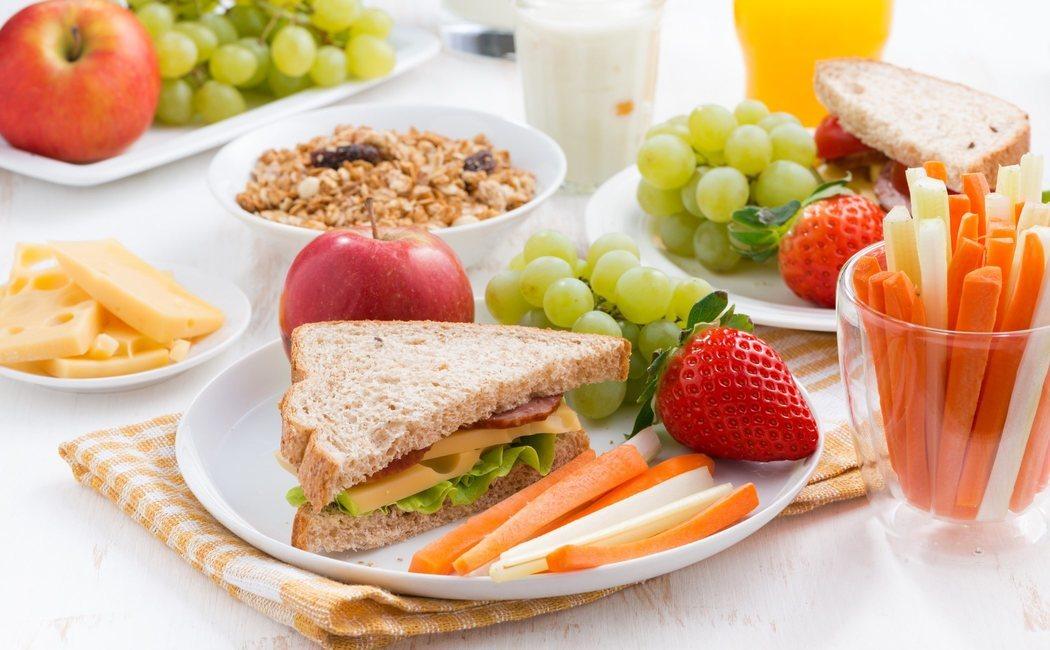 ¿Por qué la merienda es una comida fundamental?
