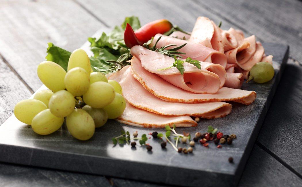 ¿Qué engorda más, el jamón york o el jamón serrano?