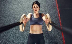 Cómo hacer abdominales TRX de forma correcta