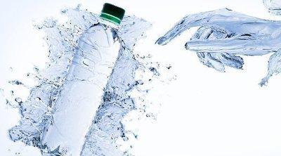 ¿Engorda el agua con gas?