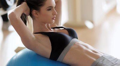 Ejercicios de abdominales con fitball